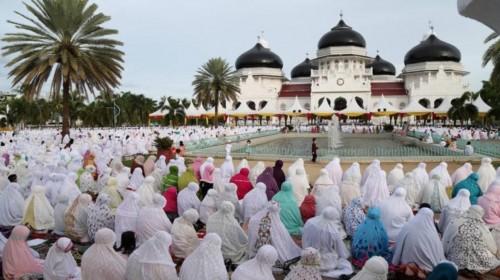Ilustrasi para jamaah saat melangsungkan salat ied di Kabupaten Malang (Foto: Istimewa)