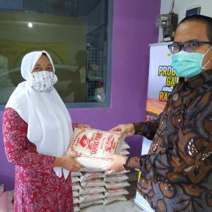 Peduli, Anggota DPRD Kota Malang Ini Berbagi 'Gaji Untuk Rakyat'