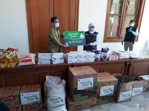 Kemendag Salurkan Bantuan Sembako dan APD untuk Gugus Tugas Penanganan Covid-19 Jatim
