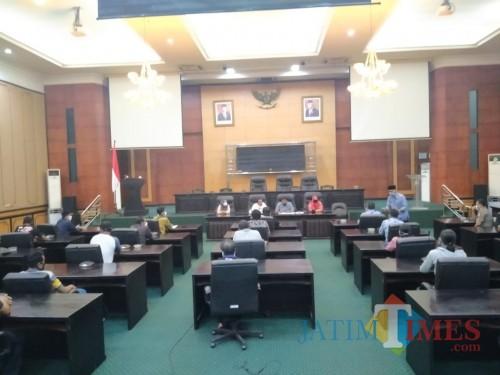 DPRD Jombang Temui PKL Terdampak Covid-19