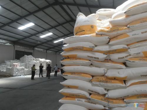 Stok gula yang disita Kementrian Perdagangan dari para distributor (Foto : Ashaq Lupito / MalangTIMES)