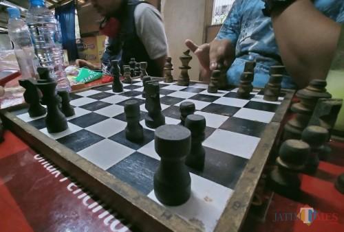 Permainan catur yang bermanfaat untuk otak (Anggara Sudiongko/ MalangTIMES)