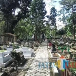 Lebaran, DLH Kota Malang Tetap Rawat Taman dan Makam