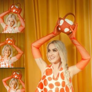 Katy Perry Rilis Koleksi Tas Jamur dari Negeri Dongeng, Ajak Donasi Bagi Korban Covid-19
