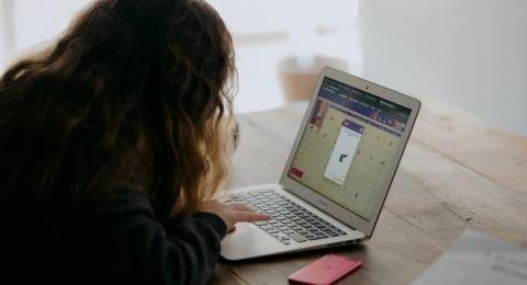 Pakar Pendidikan Kritisi Kebijakan Belajar Online