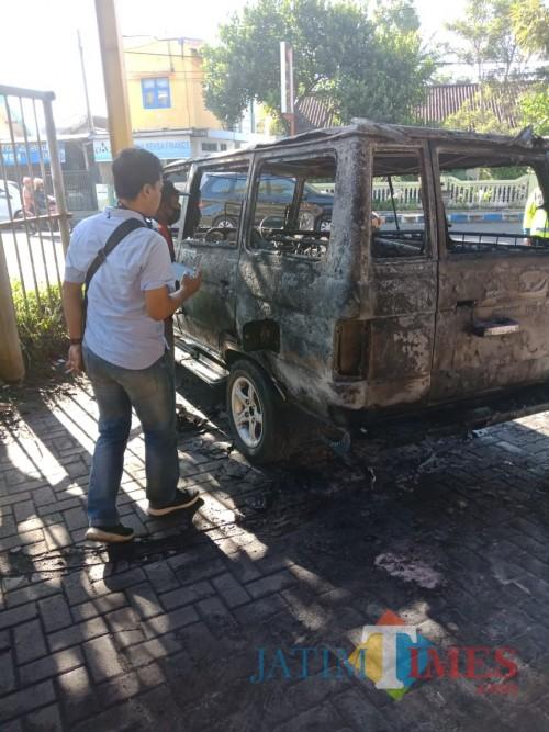 Kondisi mobil setelah terbakar. (Foto : Istimewa)