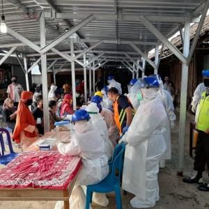Ratusan Pedagang Pasar Jogorogo Ikut Rapid Test, Satu Pedagang Makanan Reaktif
