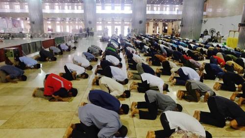 Masjid Belum Dibuka, MUI Kaji Salat Jumat Dilakukan Bergilir di Tengah Wabah Covid-19