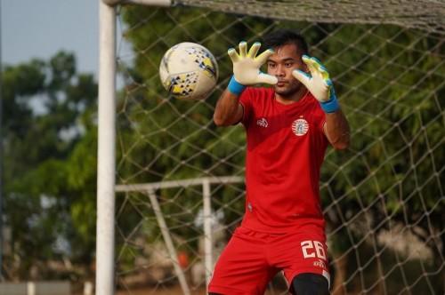 Andritany saat mengawal gawang Persija (official Persija Jakarta)