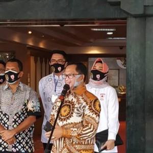 Unik, Begini Jadinya Saat Menteri Tito Karnavian Kenakan Masker Bergambar Wajahnya Sendiri