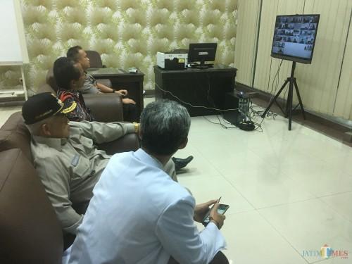 Jajaran Forkopimda saat memantau kesiapan new normal life di Kabupaten Malang. (Foto: Ashaq Lupito/MalangTIMES)