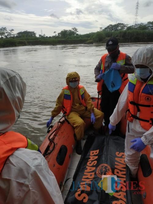 Hanyut di Sungai Brantas, Pencari Ikan Asal Blitar Ditemukan Tewas di Jembatan Ngujang II