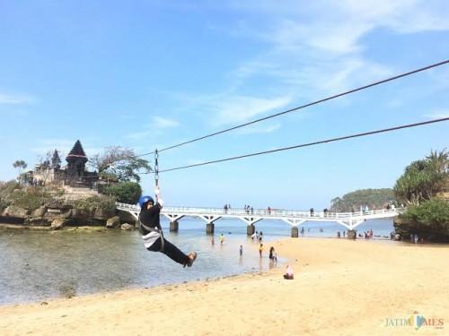 Kawasan Pantai Balekambang yang bersiap untuk dibuka kembali menyambut para wisatawan di masa New Normal Life. (Foto: Dok. MalangTimes)