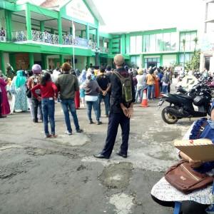 PPDB Zonasi Dibuka, Dikbud Kota Malang Ramai Dikunjungi Ratusan Wali Murid