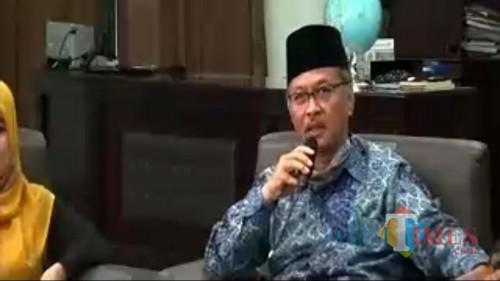 """Rektor UIN Malang Prof Dr Abdul Haris MAg dalam Webinar """"Persiapan Mental Menuju New Normal Life"""". (Foto: Ima/MalangTIMES)"""