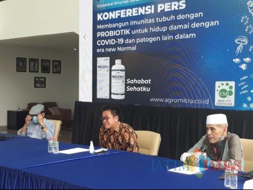Sesi konferensi pers