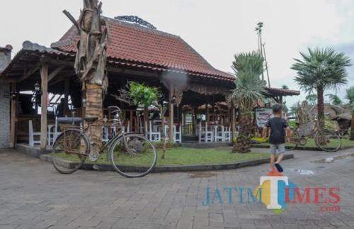 Kunjungi Pan Java, Bupati Sanusi Harap Ekonomi Masyarakat Kembali Normal