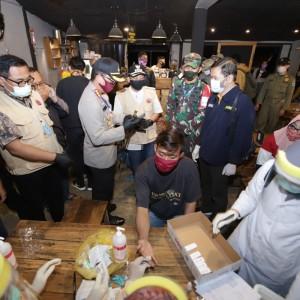1 Bayi dan 5 Pengunjung Kafe di Malang Reaktif Rapid Test Saat Nongkrong di Sudimoro