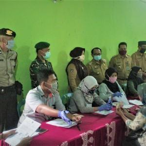 Monitoring di Kecamatan Talun, Bupati Blitar Pastikan Kelancaran Penyaluran BST Kemensos