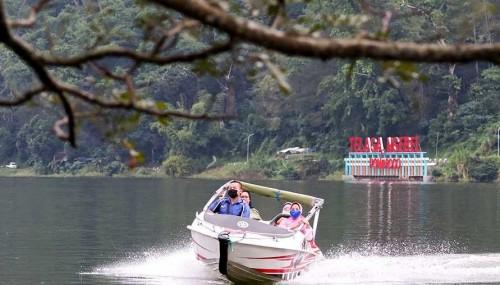 Hampir Tiga Bulan Tutup, Wisata Ngebel Diserbu Ribuan Pengunjung