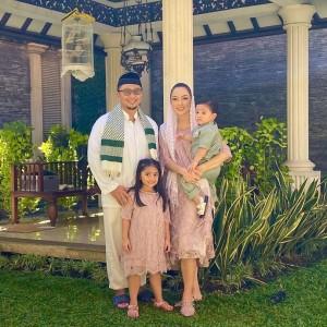 Netizen Penasaran Ungkap Keluarga Dokter Reisa Broto Asmoro, Ternyata Punya Suami Pangeran