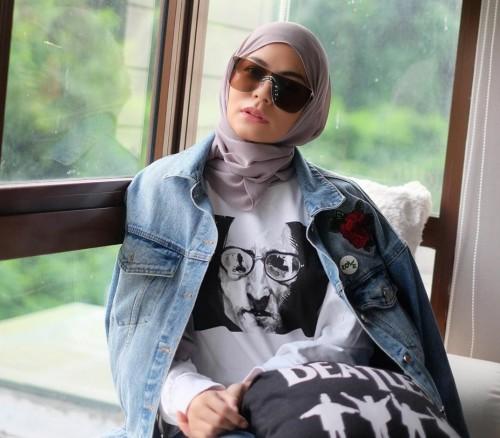 Koleksi sweatershirt brand aktris Meisya Siregar. (Foto: instagram @meisya__siregar).