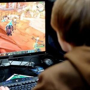 Keasyikan Main Game Online di Warnet, Pemuda Ini Kehilangan Motor