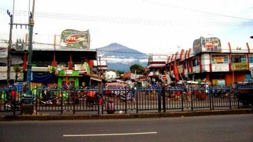 Ilustrasi Pasar Lawang yang diwacanakan bakal ditutup karena diduga menjadi klaster covid-19 (Foto : Istimewa)