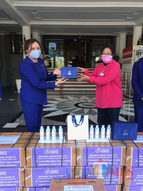 Inez Cosmetic Salurkan 1.000 Paket Hand Sanitizer ke Pemkot Surabaya