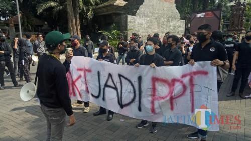 Mahasiswa UB Tuntut Penurunan UKT dan Transparansi di Tengah Pandemi