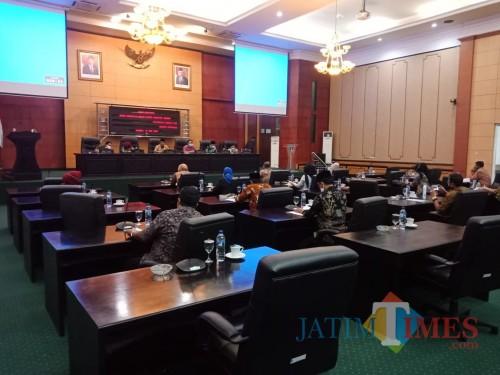 Suasana rapat paripurna DPRD Jombang. (Foto : Adi Rosul / JombangTIMES)