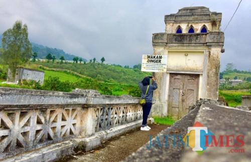 Makam Van Dinger berada di Dusun Wonorejo, Desa Tulungrejo, Kecamatan Bumiaji. (Foto: Irsya Richa/MalangTIMES)