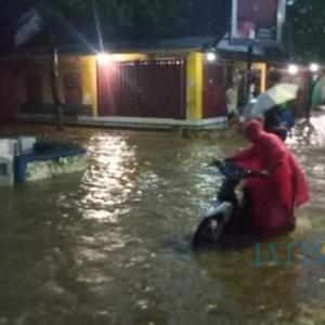 Hujan Deras, Terjadi Tanah Longsor Dan Banjir di Kecamatan Tempursari