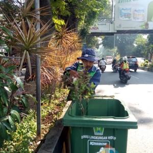 Mudah Rusak, DLH Kota Malang Beli Lagi Tong Sampah Dorong Baru