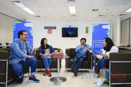 FIFGROUP Gelar Webinar dan Kompetisi Menulis untuk Mahasiswa Seluruh Indonesia