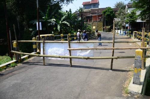 Suasana penutupan kawasan Jl. Binor Kelurahan Bunulrejo Kota Malang (Istimewa).