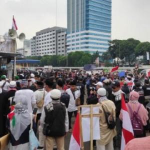 Fakta Soal Demo Tolak RUU HIP, Massa Enggan Tes Swab hingga Buntut Pembakaran Bendera PDIP