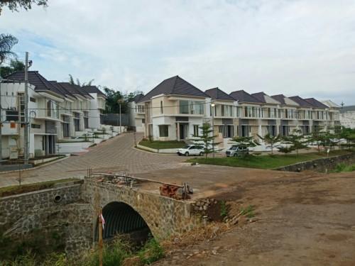 Progres pembangunan town house The Kalindra Malang. (Foto: istimewa)