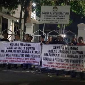 Beredar Video dan Foto Aksi Warga Membela Dewan Soal Kunker, Ini Kata Ketua DPRD Jombang