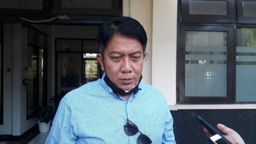 Plt Kepala  Bapenda Kabupaten Malang, Made Arya Wedanthara saat menjelaskan potensi penurunan penghasilan retribusi daerah akibat pandemi covid-19.