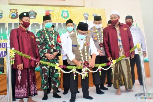 Bupati Rijanto Launching Ponpes Tangguh di Pesantren Mambaus Sholihin 2