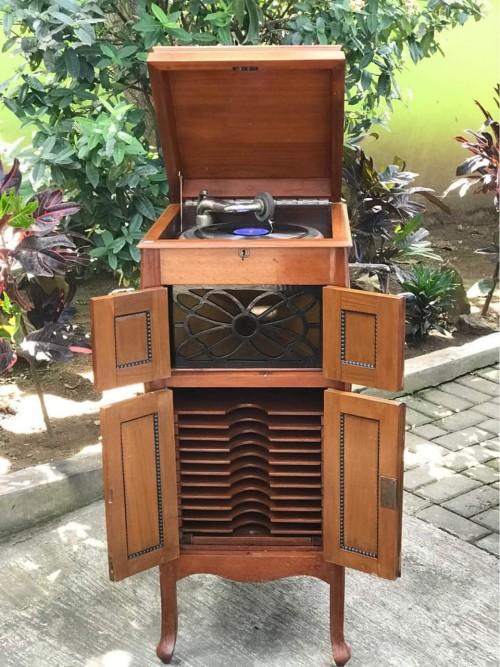 Gramaphone lawas buatan Jerman yang berusia puluhan tahun di Galeri Bangho (Ist)