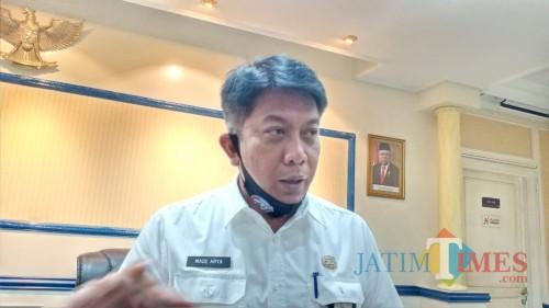 Plt Bapenda Kabupaten Malang, Made Arya Wedanthara, saat menjelaskan penurunan target PAD setelah terdampak covid-19