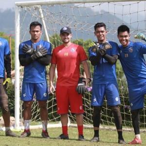 Fisik Turun 50 Persen, Pelatih Kiper Arema FC Genjot Latihan