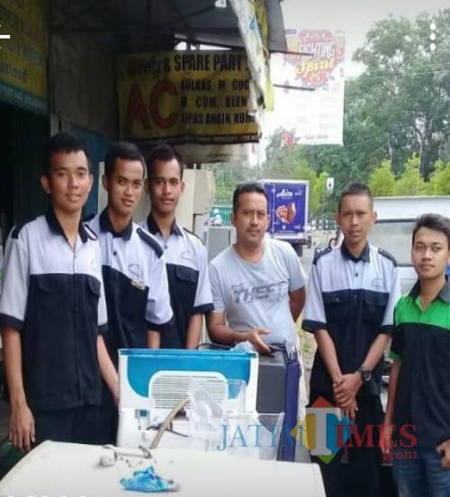 Siswa Magang di Bengkel CV. Roytek Lestari