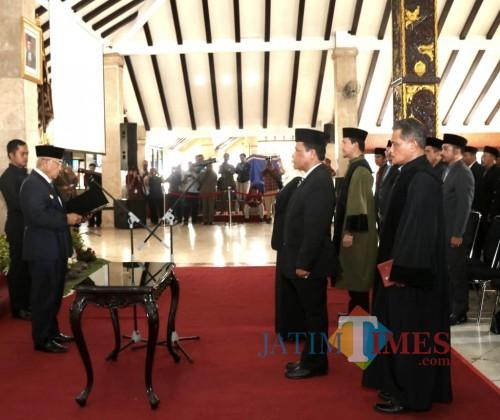 Ilustrasi Bupati Malang HM Sanusi saat melantik pejabat di Pemkab Malang belum lama ini (Foto : dokumen MalangTIMES)
