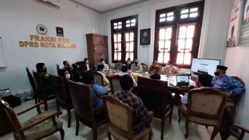 Suasana pertemuan Hari Aspirasi Fraksi PKS DPRD Kota Malang bersama perwakilan OKP di Kota Malang, Senin (29/6). (Foto: Dokumentasi Fraksi PKS).