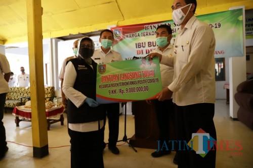 Pemkab Jombang Mulai Salurkan Bantuan Uang Tunai kepada Keluarga Pasien Covid-19