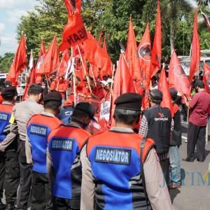 Dorong Polisi Usut Tuntas Pembakaran Bendera, Ini Kejutan PDIP untuk Polres Blitar Kota