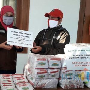 Dukung Gemas, Wartawan Pokja Pemprov Jatim Bantu 10 Ribu Masker